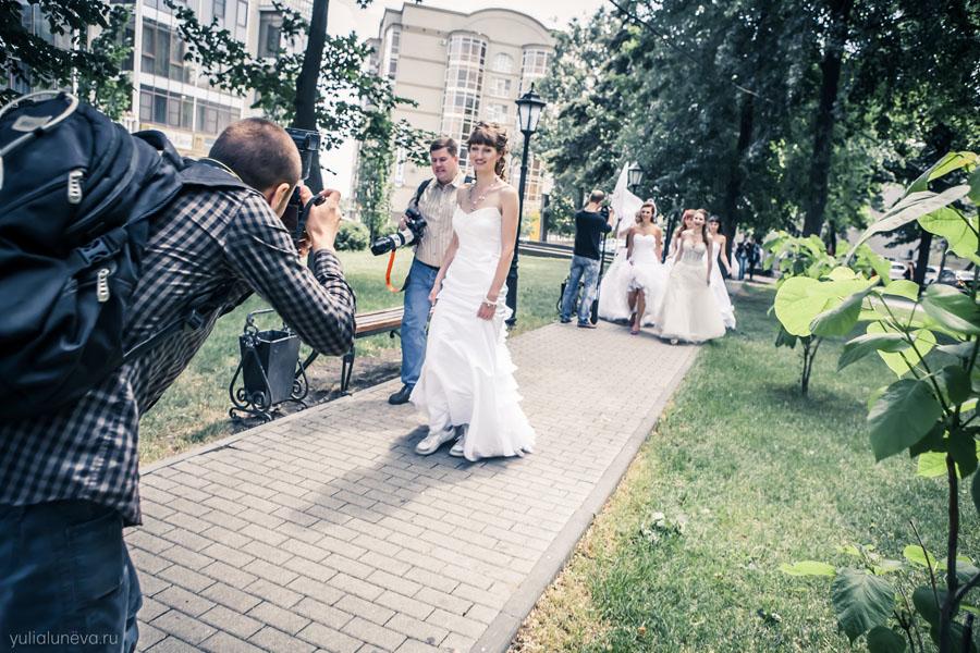 Вы просматриваете изображения у материала: Фотографии с парада невест 2012 | Фотограф Юлия Лунёва